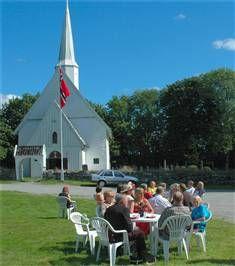 Hobøl kirke - veikirke, Fotograf: Bjørn Solberg, Copyright: -