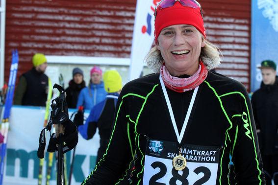VICTORIA WINBERG, Östersund, åkte Marcialonga förra helgen, nu ett lopp på hemmaplan. Tycker ni hon liknar någon är det kanske mamma, Margareta, ex-ministern. Foto: THORD ERIC NILSSON