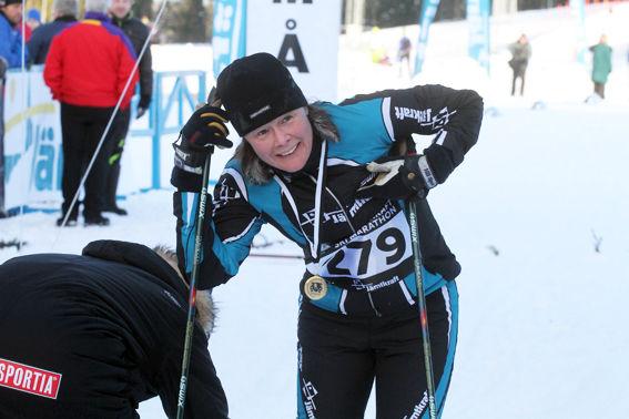 KRISTINA ANDERSSON, Jamtkraft,  världscupsegrare alpint, i mål. När hon åkte fram i pisterna var åket över 200 gånger snabbare än det behövs på 42 km. Foto: THORD ERIC NILSSON