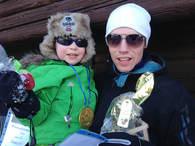 Phillip og Roar Thorsen vant pokalen i Nedre Åneggas påskerenn.