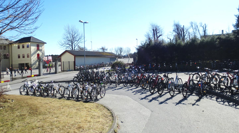 Syklar ved Florø barneskole.png