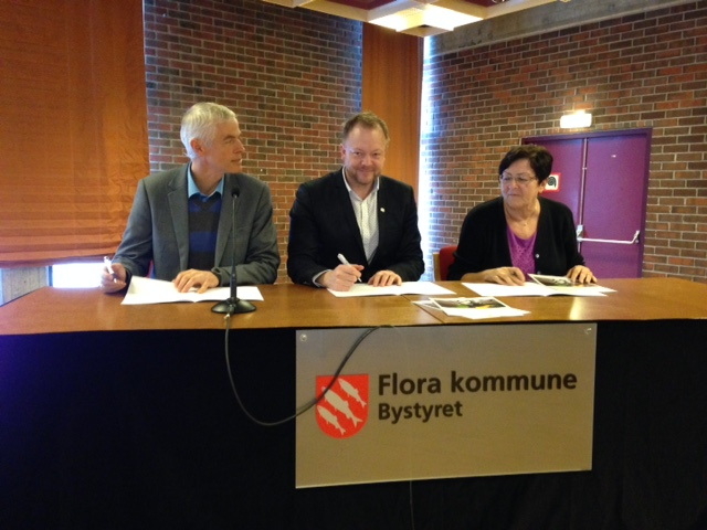 Signering sykkelbyavtale.jpg