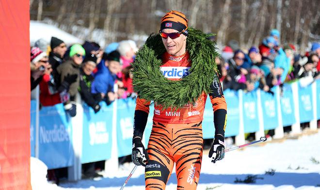 PETTER ELIASSEN vann stentuffa Reistadløpet i vacker nord-norsk natur. En tävling där flera av toppåkarna åkte med fästvalla för första gången på över två år. Foto/rights: KJELL-ERIK KRISTIANSEN/sweski.com