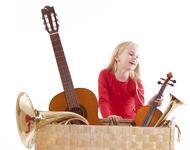 Jente med instrumenter