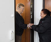 VENNER FOR LIVET: – Else-Marie lærer meg å bli kjent med det norske samfunnet, sier besøksvenn Abebayehu Birhane.