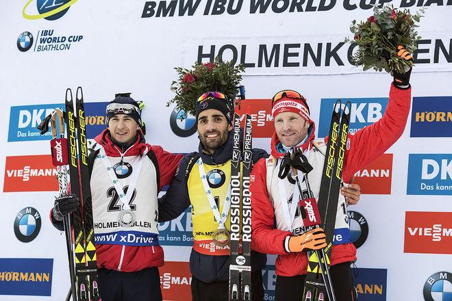 MARTIN FOURCADE (mitten) fick behålla sin seger i masstarten i Holmenkollen trots att han glömde att ladda magasinen med patroner. Andrejs Rastorgujevs, Lettland (vänster) och Simon Eder, Österrike var närmast. Foto: NORDIC FOCUS