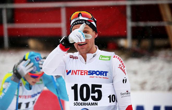 - TITTA JAG VANN Intersport cup, tycks Anders Svanebo säga. Stockviks-åkaren gick förbi Viktor Thorn i helgen och tog hem totalsegern. Foto/rights: MARCELA HAVLOVA/sweski.com