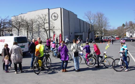 Bilde fra sykkeldagen i Ås 2013
