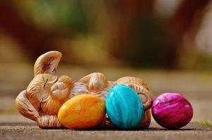 påskekanin og påskeegg