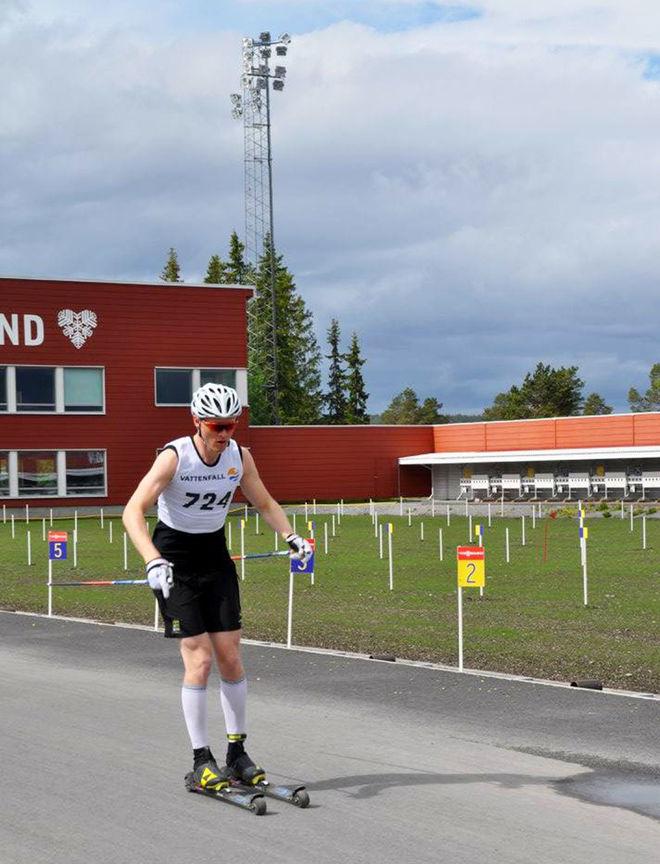 OSKAR SVENSSON, Falun-Borlänge SK imponerade och vann 20 km klassisk i överlägsen stil vid Sverigecupen på rullskidor i Östersund under söndagen. Foto: ARRANGÖREN