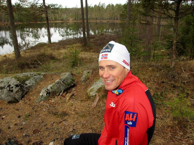 REGERANDE OS-MÄSTAREN i sprint, Ola Vigen Hattestad, står för första gången på 12 år utanför det norska landslaget. Nu satsar 35-åringen från Ørje precis vid gränsen till Sverige på egen hand - med Slovenien som bas. Foto/rights: KJELL-ERIK KRISTIANSEN/sweski.com