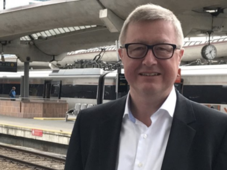 Carlo Thomsen, som høsten 2015 til våren 2017 var prosjektleder for gjennomføring av jernbanereformen. Foto: KMD.