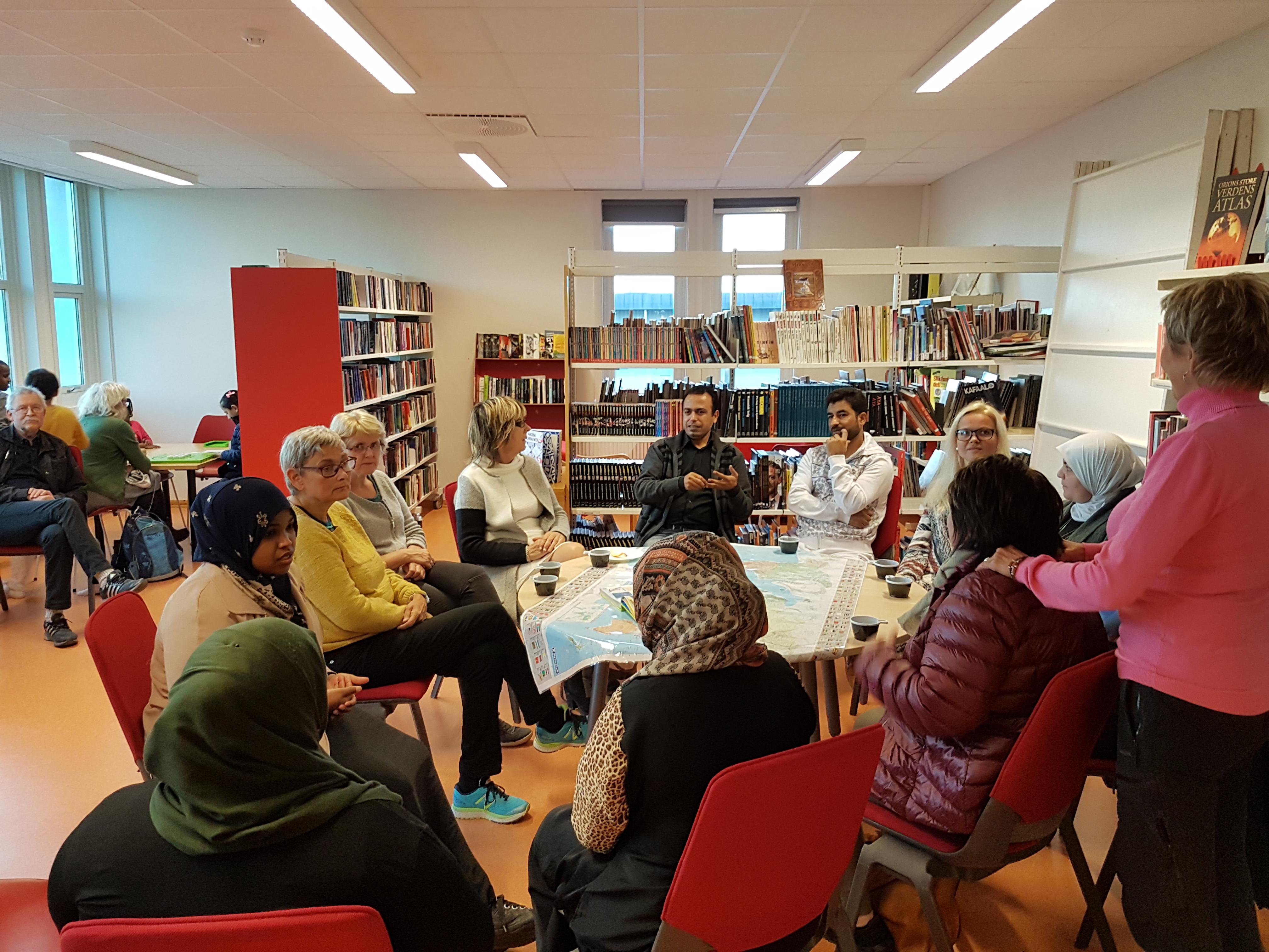 Ahmad oversetter fra norsk til arabisk