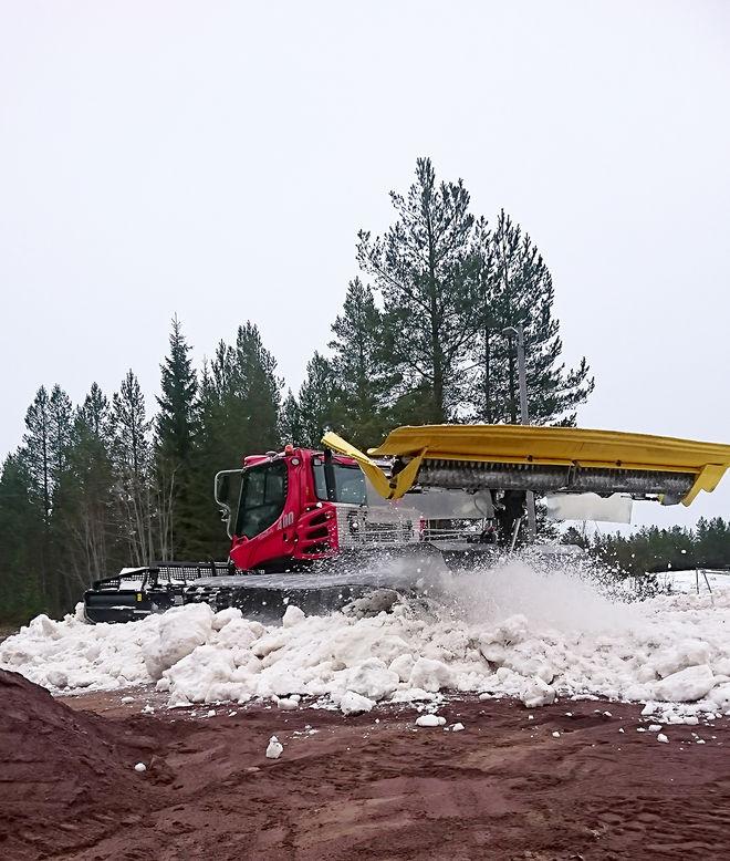 NU KOMMER snön också i Orsa-Grönklitt som är ett skidområdet som många i Dalarna och omliggande län använder sig av.
