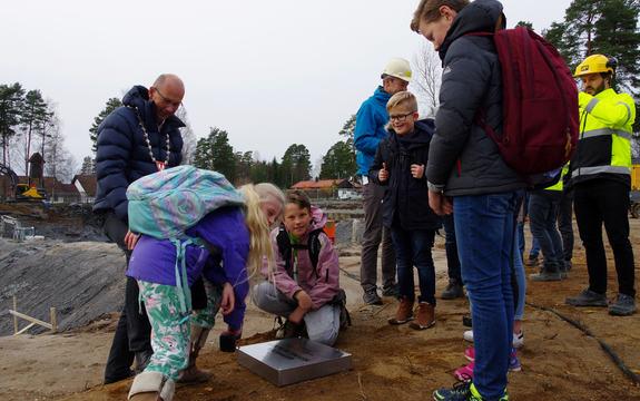 2017-10-30 Grunnsteinnedleggelse Rustad skole