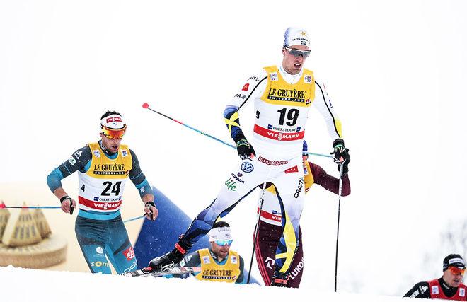 CALLE HALFVARSSON:s sista insats i Tour de Ski blev masstarten i Oberstdorf där han förutom en vurpa också hade magproblem under loppet. Foto: NORDIC FOCUS