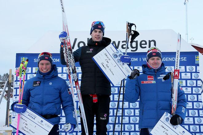 DET HÄR är dom tre bästa på tremilen i Piteå: Segraren Mattis Stenshagen (mitten) jublar med tvåan Martin Løwstrøm Nyenget (vänster) och trean Johan Hoel - alla från Norge. Foto/rights: KJELL-ERIK KRISTIANSEN/KEK-stock