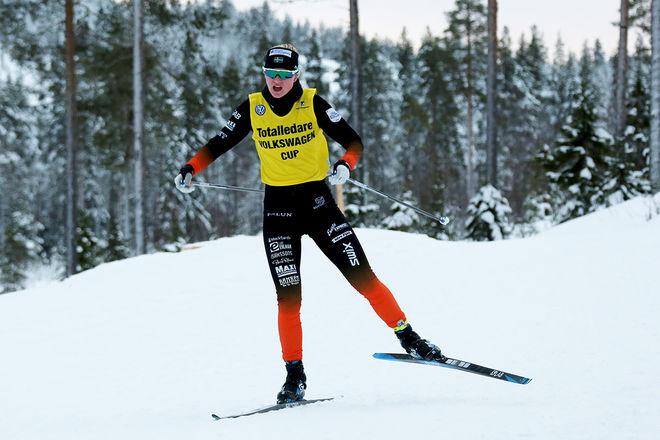 MAJA DAHLQVIST, Falun-Borlänge SK försvarade den gula ledartröjan under helgen och kommer att starta med den i nästa cuptävling i Ulricehamn. Foto: MIKAEL EDSTRÖM