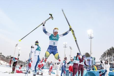 Kalla impressionnante championne devant Bjoergen — JO/Ski de fond