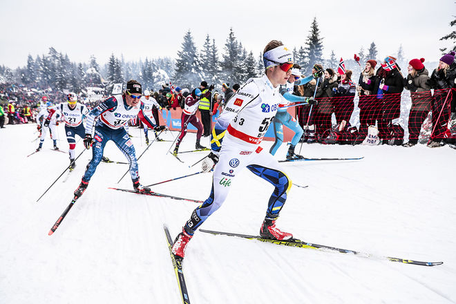 PETTER ENGDAHL gjorde ett imponerande lopp i sin världscupdebut i Holmenkollen. Han hängde med täten i över fyra av dom sex varven och slutade 23:a. Foto: NORDIC FOCUS