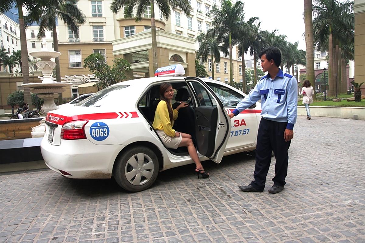 2018-03-30 Vietnam Taxi Hoved.jpg