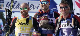 TEAM SANTANDER dominerade både finalen i Visma Ski Classics och totalt i cupen. Här är dom tre bästa i Ylläs-Levi, fr v: Tord Asle Gjerdalen 2:a och totalsegrare, Andreas Nygaard 1:a och totaltvåa och Anders Aukland 3:a. Foto: MAGNUS ÖSTH