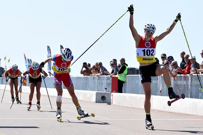 DA CAPO för Linn Sömskar på rullskids-SM i Helsingborg. Här vinner hon 15 km masstart på samma vis som hon vann fredagens sprint. Foto: ROLF ZETTERBERG