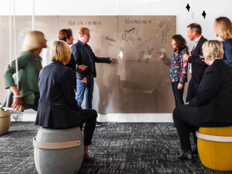 Arbeidsmåten skaper synergi på tvers av tjenesteområder, fagmiljøer og organisasjoner. Offentlige etater, private virksomheter og frivillig sektor kobles sammen. Foto: Bergen kommune