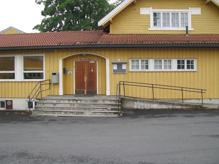 Bilde av bygningen der Midtgard holder til.