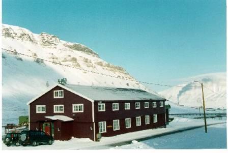 Galleri Svalbard - kunstnerhybler utvendig