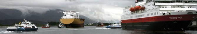 Båtar på hamna