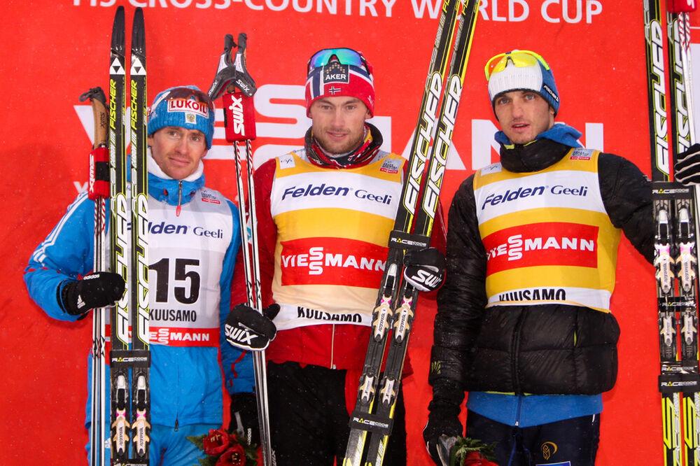02.12.2012, Kuusamo, Finland (FIN): (l-r) Maxim Vylegzhanin (RUS), Fischer, Swix, Alpina, Rottefella, Adidas, Petter Northug (NOR), Fischer, Swix, Alpina, Rottefella and Alexey Poltoranin (KAZ), Fischer, Swix, Rottefella - FIS world cup cross-country, pu