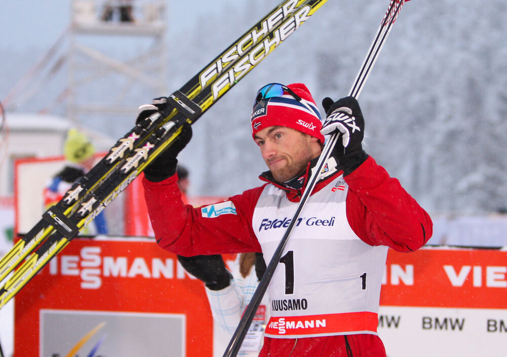 02.12.2012, Kuusamo, Finland (FIN): Petter Northug (NOR), Fischer, Swix, Alpina, Rottefella - FIS world cup cross-country, pursuit men, Kuusamo (FIN). www.nordicfocus.com. © Laiho/NordicFocus. Every downloaded picture is fee-liable.