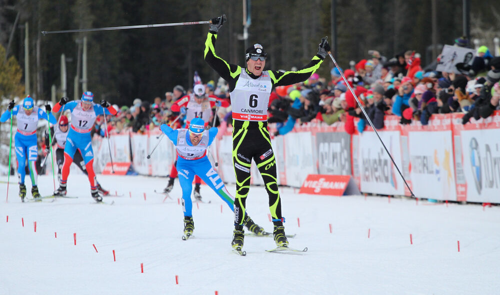 16.12.2012, Canmore, Canada (CAN): Maurice Manificat (FRA), Fischer, Swix, Rottefella, One Way followed by Roland Clara (ITA), Fischer, Swix, Rottefella - FIS world cup cross-country, skiathlon men, Canmore (CAN). www.nordicfocus.com. © Roycroft/NordicF