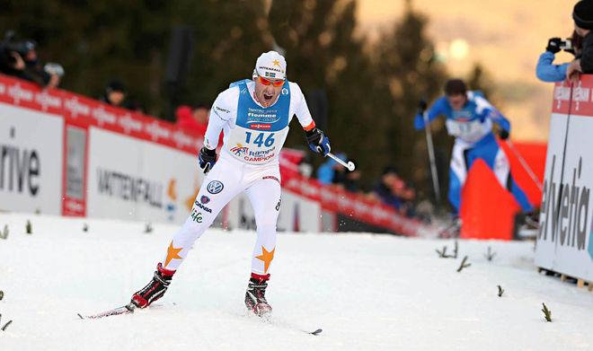 RIKARD ANDREASSON åker in som tvåa i Rampa con i Campioni på Alpe Cermis efter Thomas Alsgaard! Foto: MARIO FACCHINI/Newspower