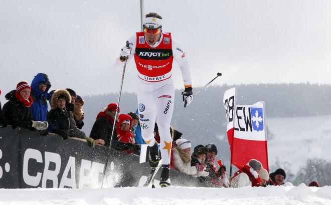 EMIL JÖNSSON var förvånad över framgångarna i Liberec. Han valde att åka hem med ett ömmande knä och en trött kropp efter tävlingen. Foto: MILAN DROBNY