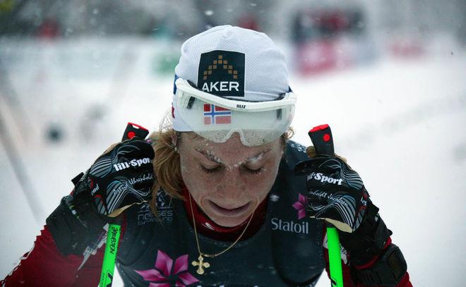 HEMRESAN FRÅN RYSSLAND blev allt annat än kul för norska världsmästarinnan Astrid Uhrenholdt Jacobsen, som fick lägga om hela VM-uppladdningen. Foto: KJELL-ERIK KRISTIANSEN