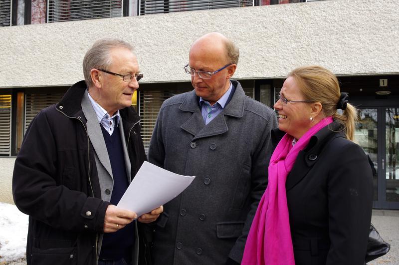 Fra venstre ordfører Johan Alnes, ordfører Thore Vestby og ordfører Anne Kristine Linnestad