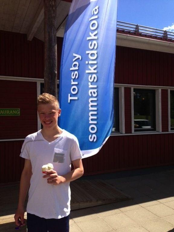 NORRMANNEN Kristian Skolegården fyller på med energi.