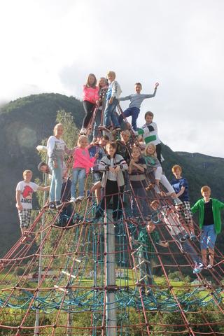 I klatrepyramiden.jpg