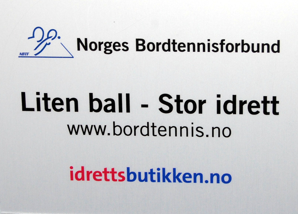 bordtennisbord_ute_liten_ball_stor_idrett