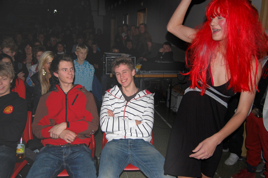 revy_dragshow