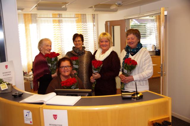 Blomster til servicetorget Ås Avis