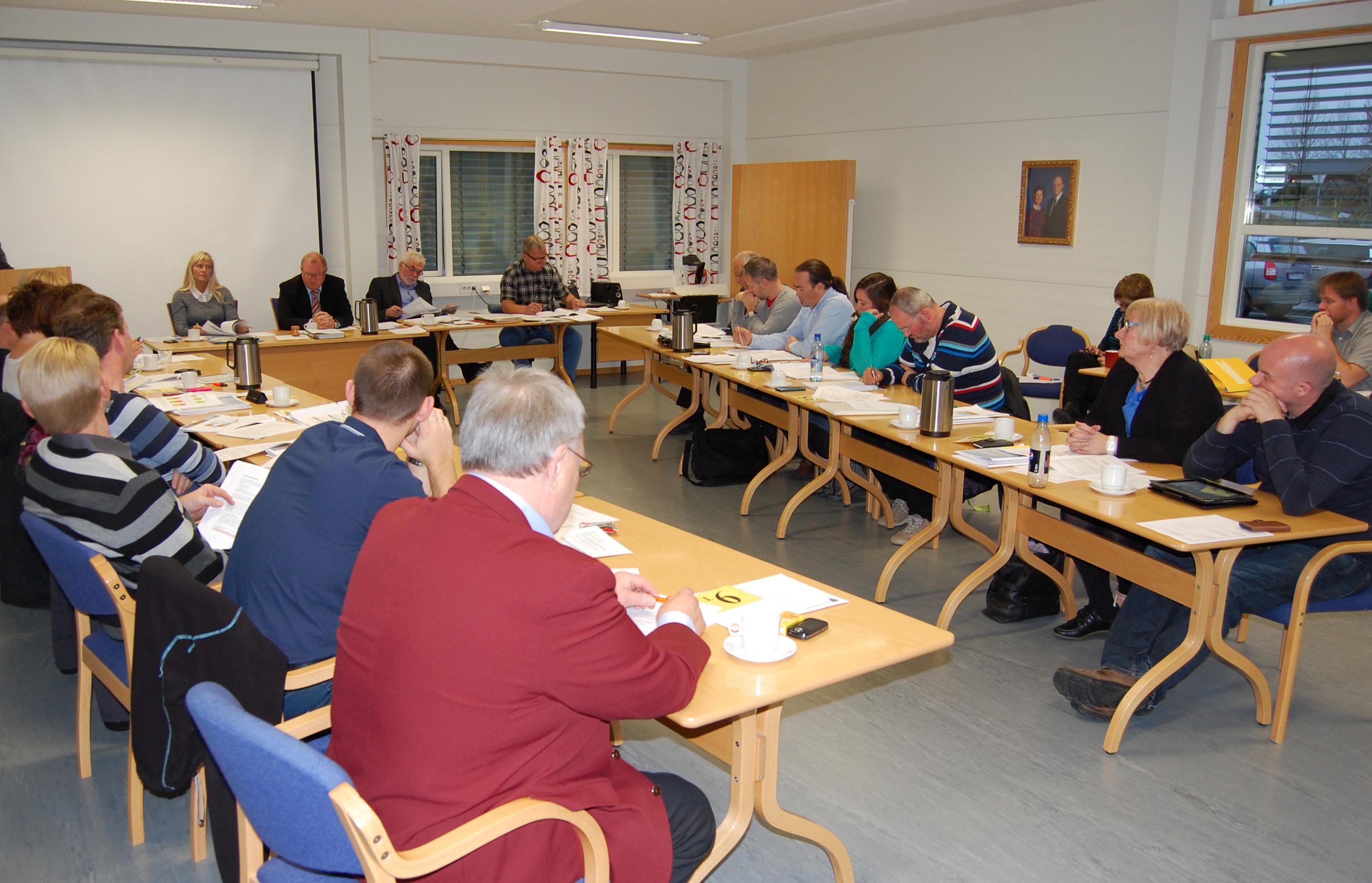 Kommunestyremøte 24