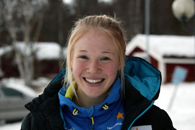 JONNA SUNDLING är en extrem sprinttalang, men hon hänger också med i toppen i distansloppen! Foto: KJELL-ERIK KRISTIANSEN