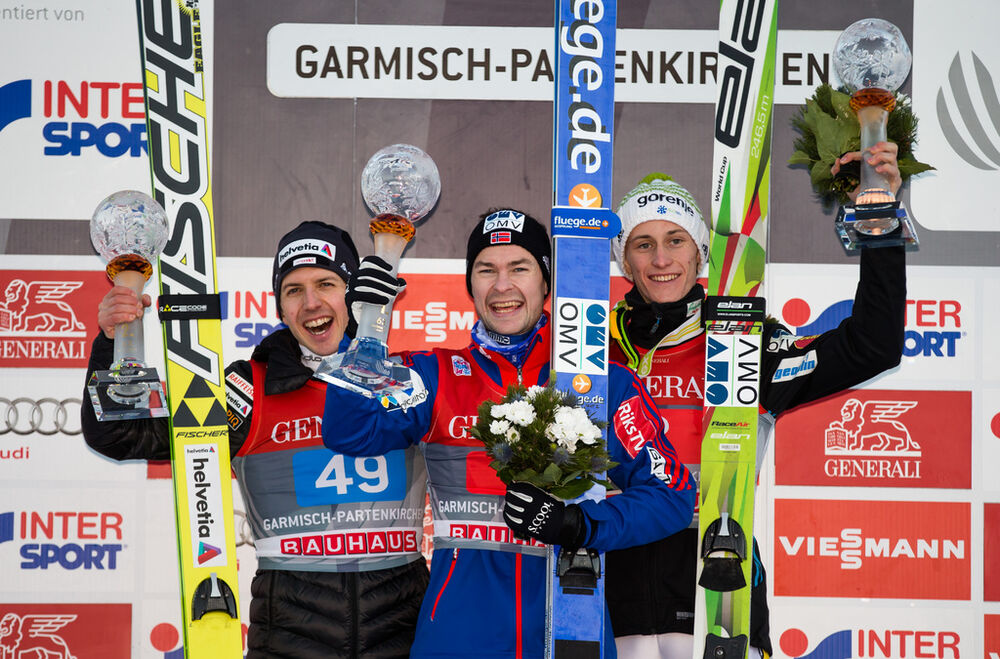 01.01.2015, Garmisch, Germany (GER): (l-r) Simon Ammann (SUI), Fischer, Anders Jacobsen (NOR) and Peter Prevc (SLO)- FIS world cup ski jumping, four hills tournament, individual HS140, Garmisch (GER). www.nordicfocus.com. © Laiho/NordicFocus. Every down