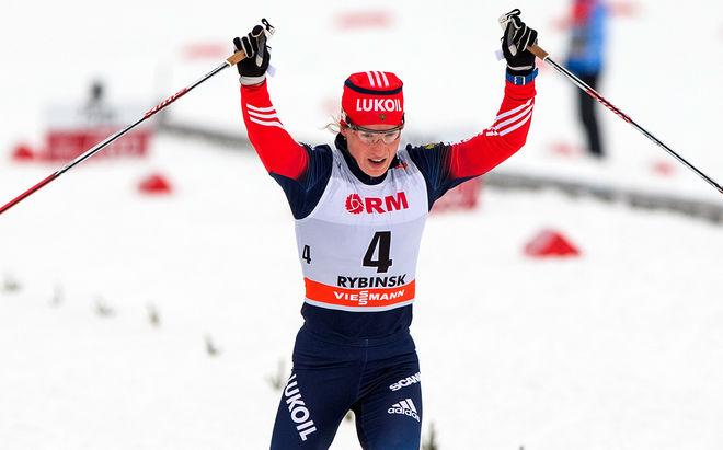 YULIA TCHEKALEVA säkrar sin första världscupseger i skiathlontävlingen i Rybinsk. Foto: NORDIC FOCUS