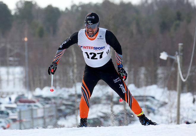 ADAM STEEN - här i Falun-Borlänges dräkt i fjolårets cupfinal i Kalix - vann DM i Stockholm för sin nya klubb AXA SC. Foto/rights: KJELL-ERIK KRISTIANSEN/sweski.com