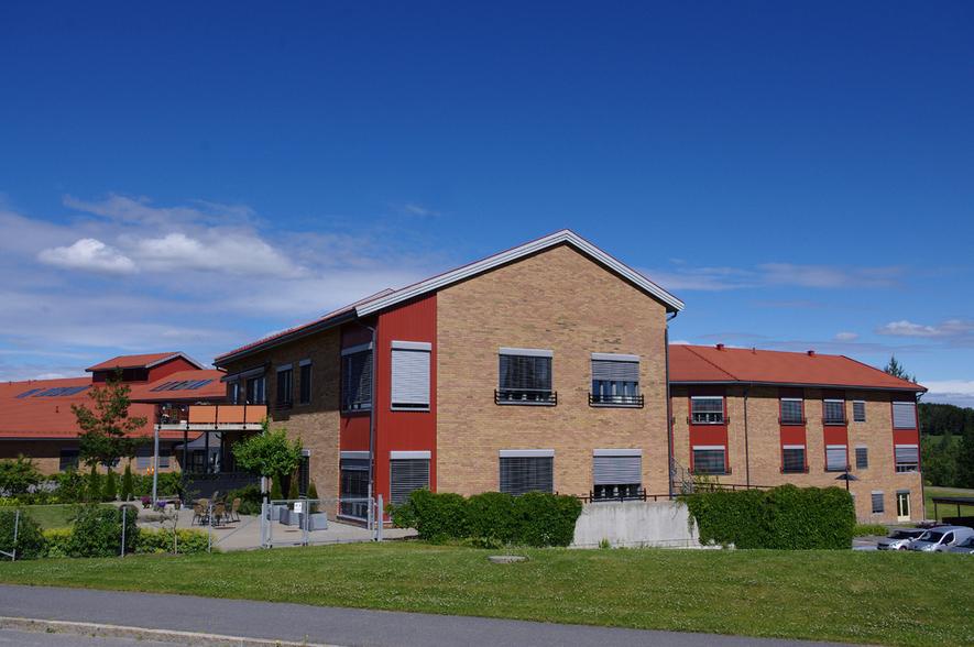 Fotografi av fasaden til Moer sykehjem