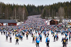 08.03.2015, Mora, Sweden (SWE): start with massive crowds- FIS Marathon Cup Vasaloppet, Mora (SWE). www.nordicfocus.com. © Felgenhauer/NordicFocus. Every downloaded picture is fee-liable.